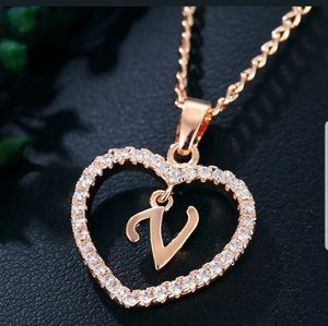 New gorgeous gold tone letter V necklace